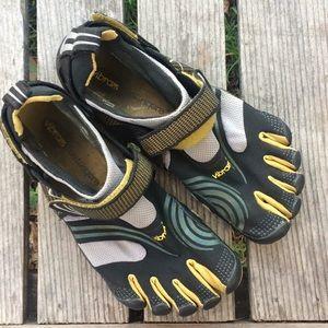 Vibram 5 Finger Komodo Sport Shoes 42 M3681
